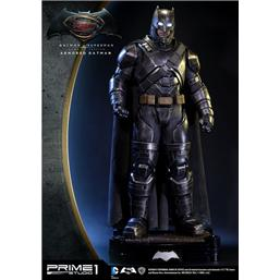 Batman v Superman: Armored Batman Statue 109 cm