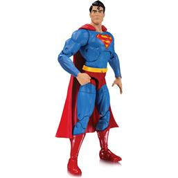 DC Essentials Action Figure Superman 17 cm