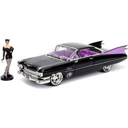 DC Bombshells Diecast Model Hollywood Rides 1/24 1959 Cadillac with Catwoman Figure
