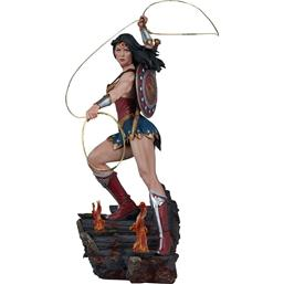 DC Comics: Wonder Woman Sideshow Exclusive Premium Format Figure 56 cm