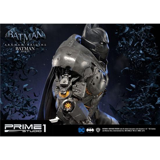 Batman: Batman Arkham Origins Statue Batman XE Suit 79 cm