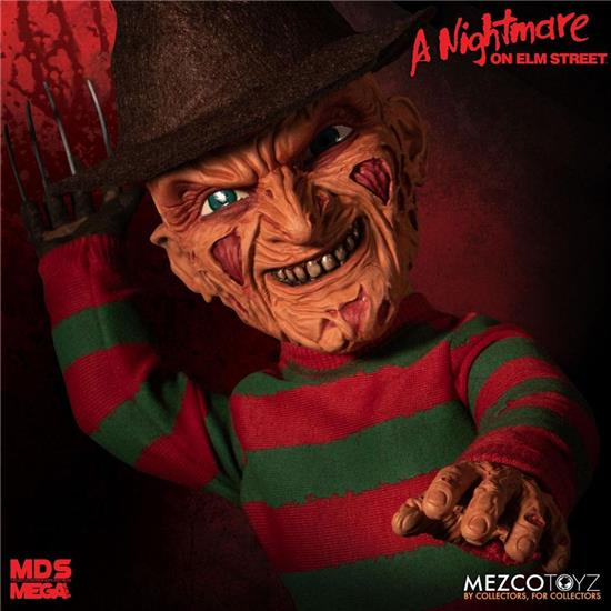 A Nightmare On Elm Street: Nightmare On Elm Street Mega Scale Talking Action Figure Freddy Krueger 38 cm