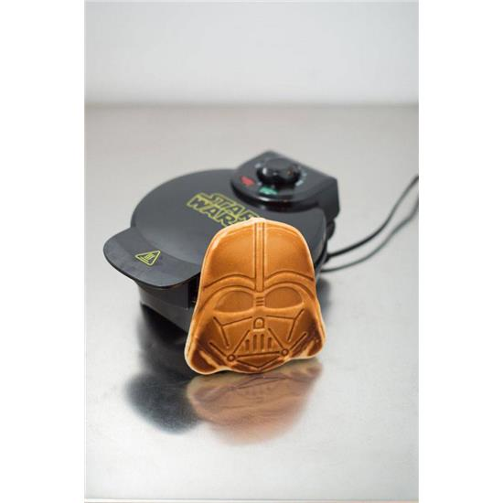 Star Wars: Star Wars Waffle Maker Darth Vader