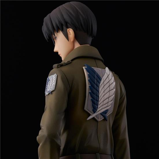 Attack on Titan: Levi Coat Style PVC Statue 22 cm